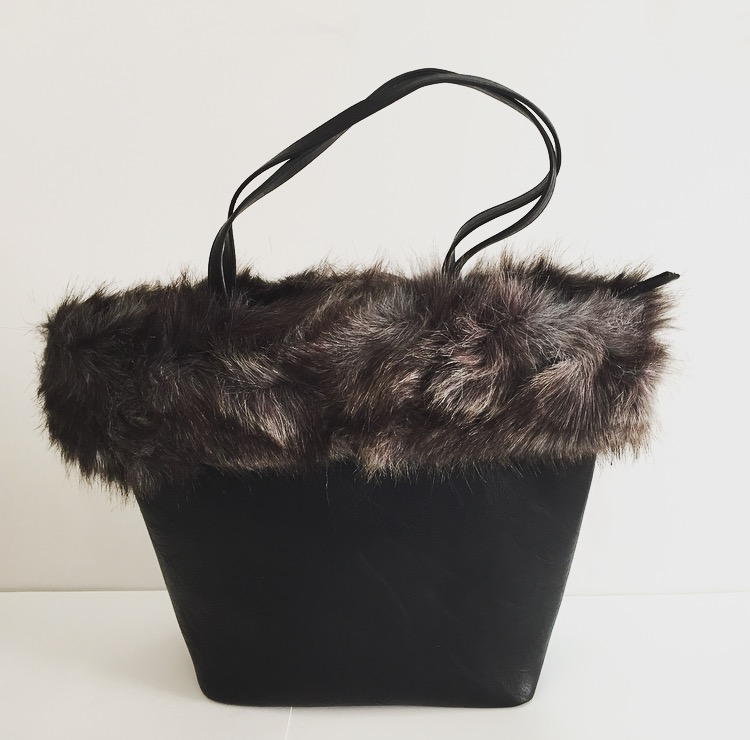 Roxanne Bag with Fur - Black
